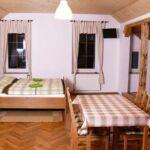 Vierbettzimmer mit Eigner Küche