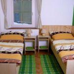 6-Bett-Zimmer mit Eigner Küche