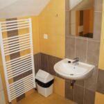 Pokój 3-osobowy z prysznicem z klimatyzacją