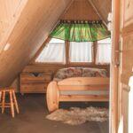 Hegyekre néző tetőtéri négyágyas szoba