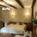Folyóra néző emeleti franciaágyas szoba