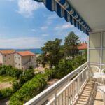 Apartman s manželskou postelí s 1 ložnicí s výhledem na moře na poschodí