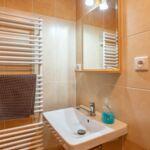 Zuhanyzós erkélyes 4 fős apartman (pótágyazható)
