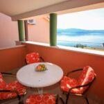 Apartament cu terasa cu vedere spre mare cu 2 camere pentru 5 pers.