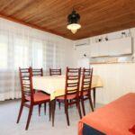 Apartman s klimatizací pro 6 os. se 3 ložnicemi s výhledem na moře A-8941-a