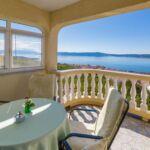 Apartament 4-osobowy na piętrze z widokiem na morze z 2 pomieszczeniami sypialnianymi