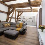 Apartament studio design cu 2 camere pentru 3 pers.
