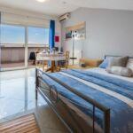 Apartament la etaj cu vedere spre mare cu 1 camera pentru 2 pers.