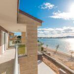 Apartament cu aer conditionat cu vedere spre mare cu 3 camere pentru 8 pers.