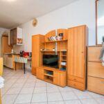 Apartman s klimatizací s terasou pro 3 os. s 1 ložnicí