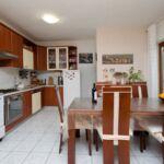 Apartament cu aer conditionat cu terasa cu 2 camere pentru 6 pers.