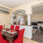 Apartament cu aer conditionat cu vedere spre mare cu 3 camere pentru 4 pers.