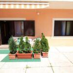 Apartament 3-osobowy na parterze z widokiem na dziedziniec z 1 pomieszczeniem sypialnianym