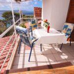 Apartman s terasou pro 5 os. se 2 ložnicemi s výhledem na moře