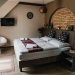 Camera twin premium cu terasa (se poate solicita pat suplimentar)