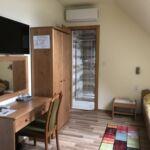 Camera twin la etaj la mansarda