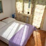 Apartament economy la etaj cu 2 camere pentru 4 pers.