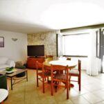 Apartament cu aer conditionat cu terasa cu 3 camere pentru 8 pers. A-15345-a