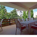 Apartman s klimatizací s balkónem pro 9 os. se 3 ložnicemi (s možností přistýlky)