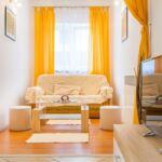 Apartament la parter cu aer conditionat cu 2 camere pentru 4 pers.