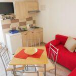 Apartament cu aer conditionat cu terasa cu 2 camere pentru 6 pers. A-15006-a