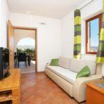 Apartman s klimatizací pro 8 os. se 3 ložnicemi s výhledem na moře A-16608-a