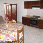 Apartman s terasou pro 4 os. s 1 ložnicí s výhledem na moře A-17930-a