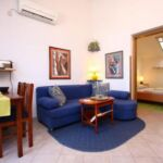 Apartament 3-osobowy z klimatyzacją z widokiem na morze z 1 pomieszczeniem sypialnianym A-18004-b
