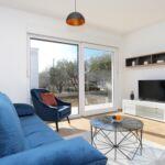 Apartament cu aer conditionat cu terasa cu 2 camere pentru 6 pers. A-18115-a