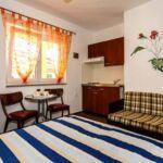 1-Zimmer-Apartment für 2 Personen mit Klimaanlage und Terasse AS-18193-b
