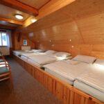 Sa tuš kabinom soba sa 0 kreveta(om) (za 6 osoba(e))
