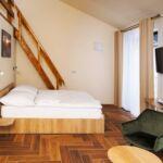 Zuhanyzós légkondicionált négyágyas szoba (pótágyazható)