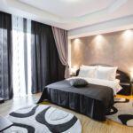 Apartman s manželskou postelí se 3 ložnicemi na poschodí