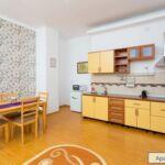 Apartament tourist la etaj cu 4 camere pentru 4 pers. (se poate solicita pat suplimentar)