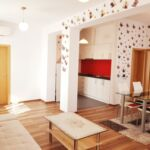 Apartament la etaj cu terasa cu 4 camere pentru 4 pers.