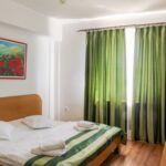 Na katu soba sa 3 kreveta(om) (za 3 osoba(e))