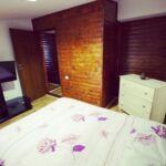 Pokoj s manželskou postelí