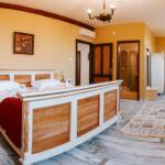 Queen  Pokoj s manželskou postelí (s možností přistýlky)