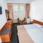 Camera dubla superior cu grup sanitar (se poate solicita pat suplimentar)