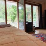 Camera twin superior cu balcon (se poate solicita pat suplimentar)