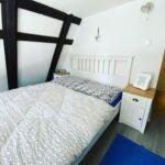 Apartman pro 6 os. se 3 ložnicemi na poschodí  (s možností přistýlky)
