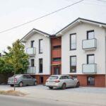 Apartament twin la parter cu 4 camere pentru 2 pers.