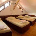 Tetőtéri négyágyas szoba