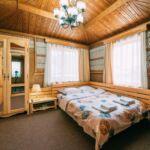 Apartament standard cu balcon cu 3 camere pentru 2 pers. (se poate solicita pat suplimentar)