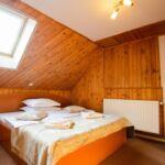 Manzárd franciaágyas szoba