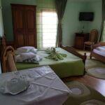 Camera tripla cu grup sanitar (se poate solicita pat suplimentar)