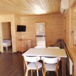 Domek drewniany 4-osobowy Przyjazny podróżom rodzinnym z łazienką (możliwa dostawka)