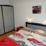 Apartament 4-osobowy na piętrze pokój od strony basenu z 2 pomieszczeniami sypialnianymi