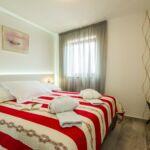 Apartament deluxe cu aer conditionat cu 2 camere pentru 3 pers.