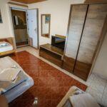 Erkélyes légkondicionált háromágyas szoba